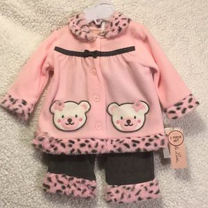 Other - Baby girls outfit NWT 6-9 mos